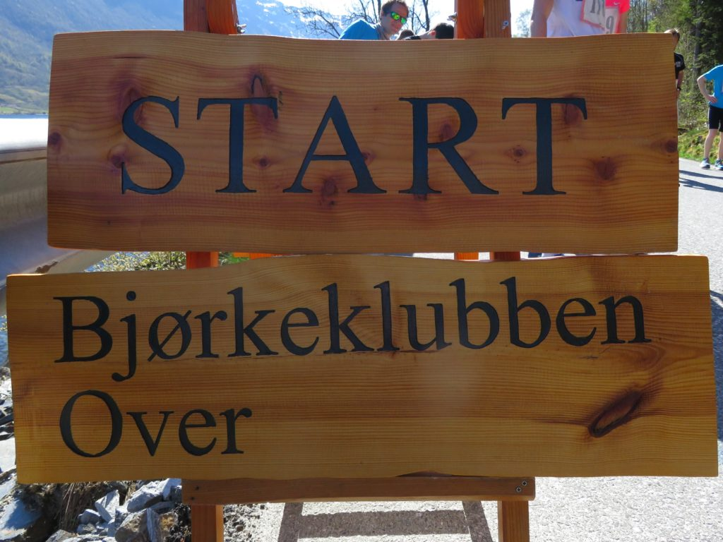 Startskilt for Bjørkeklubben over