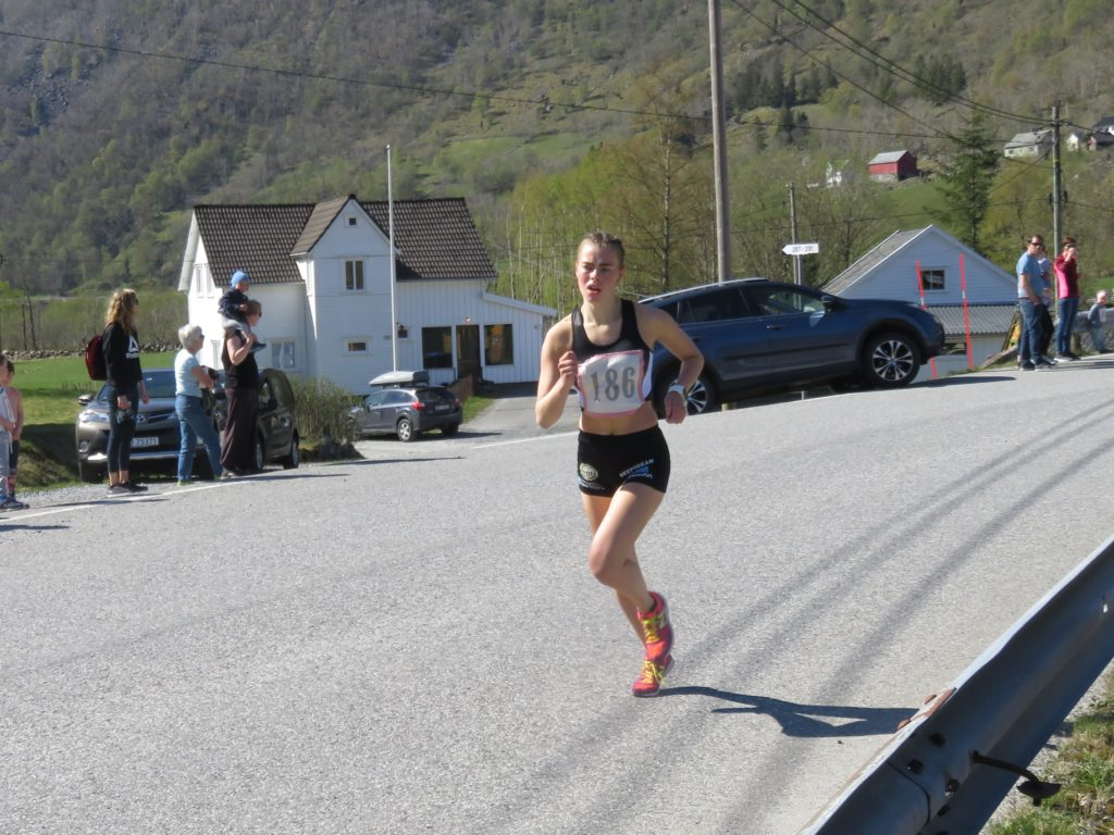 Nr 2 i mål, Kristine Alne - 4.21 min